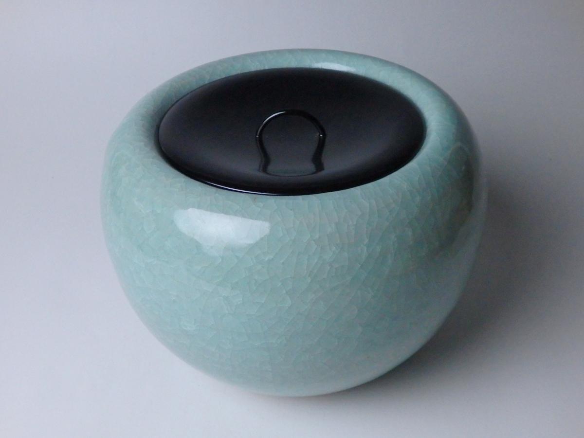 三浦小平二青磁水指 (1)