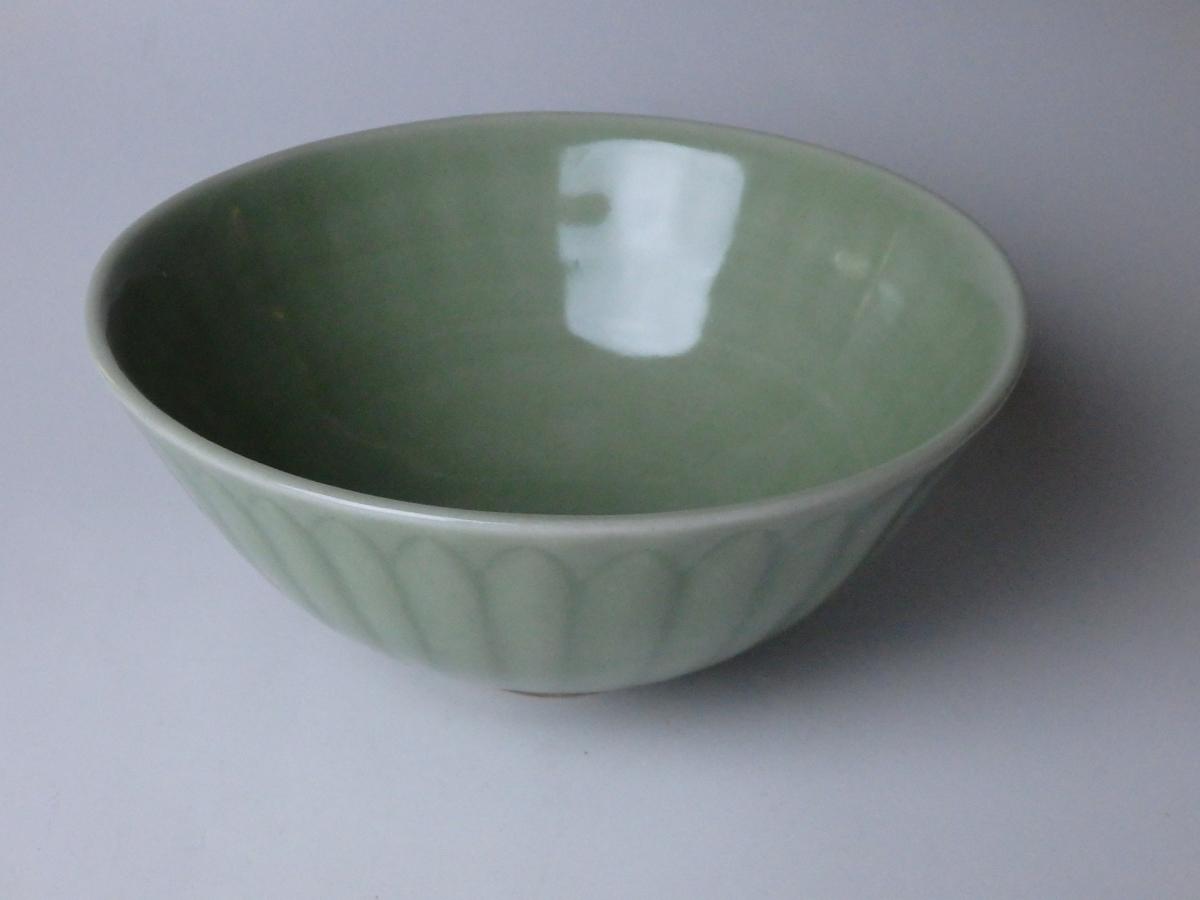 三浦小平二青磁鉢 (1)