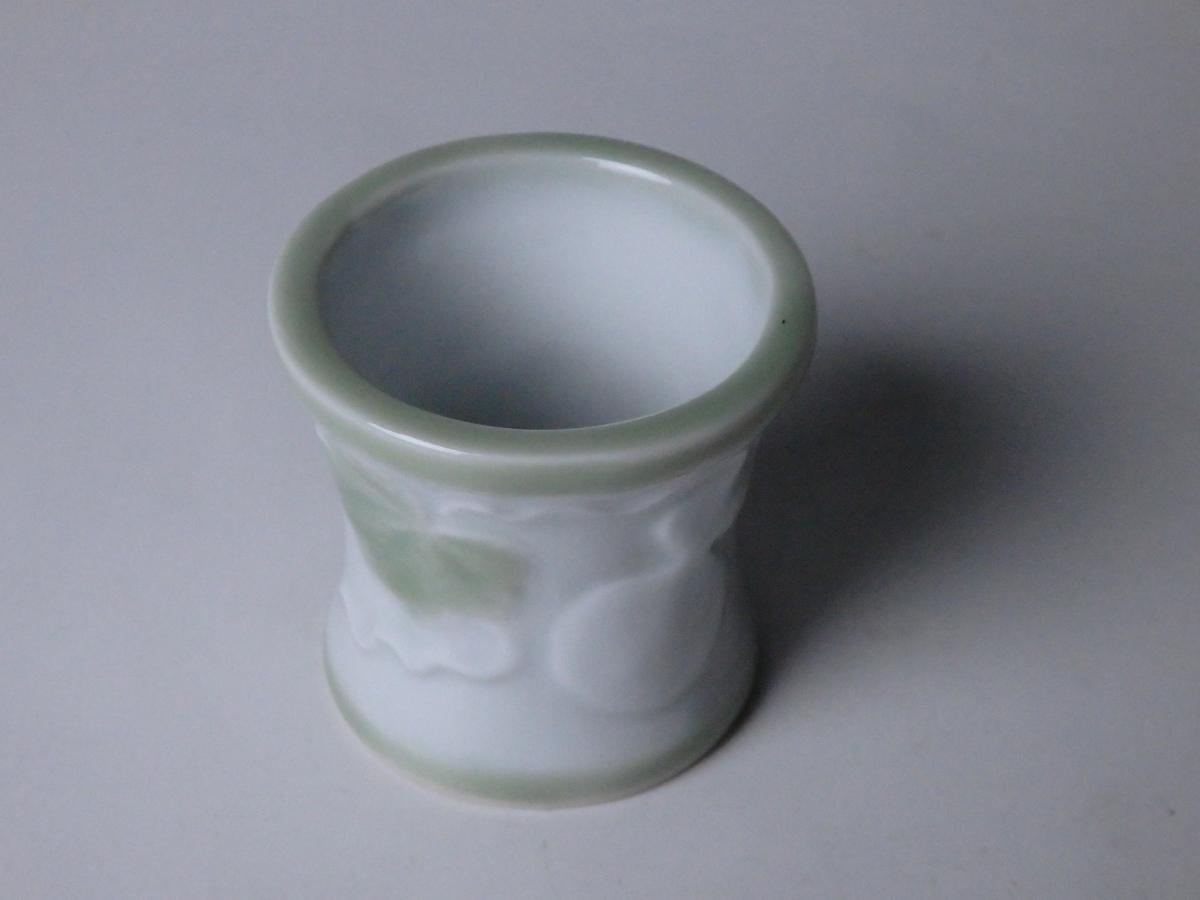 加藤渓山白磁瓢蓋置 (1)