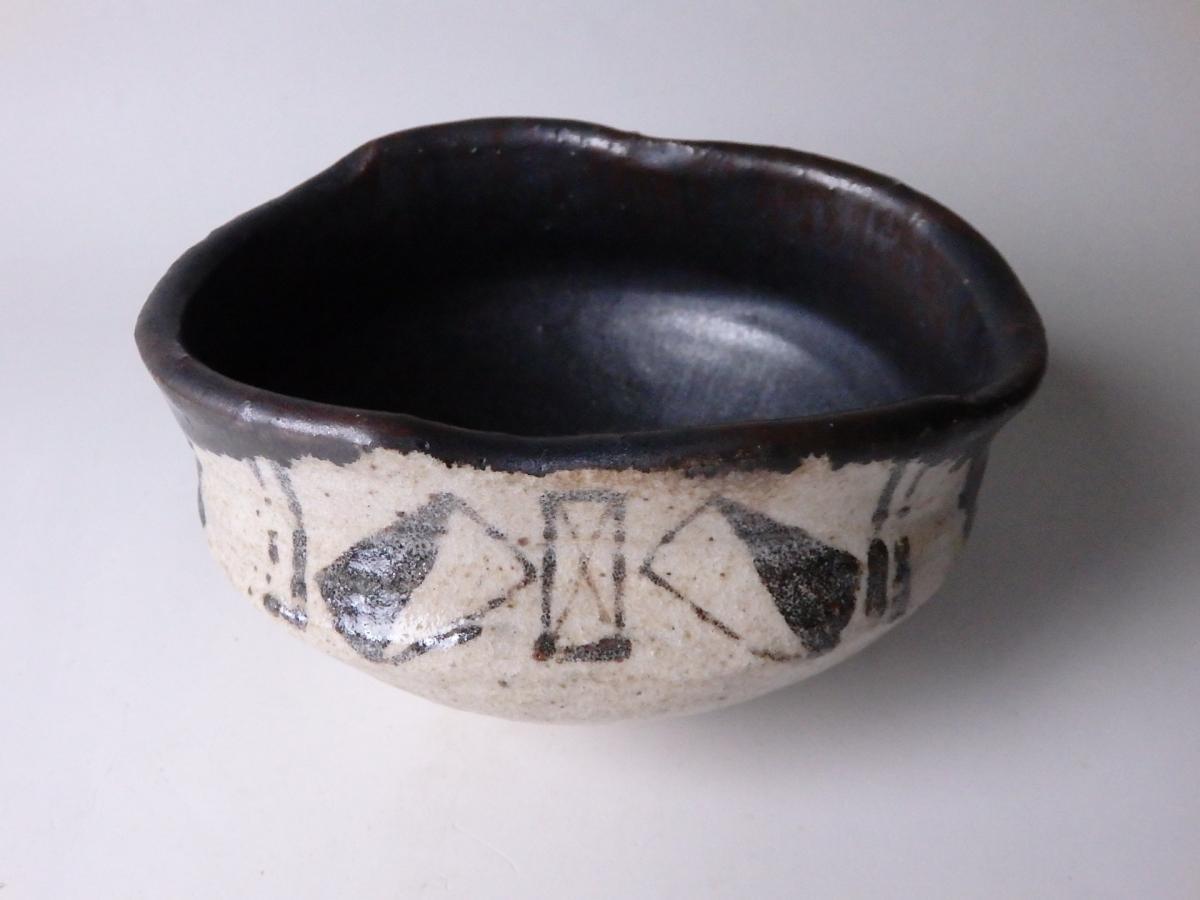 古黒織部茶碗 (2)