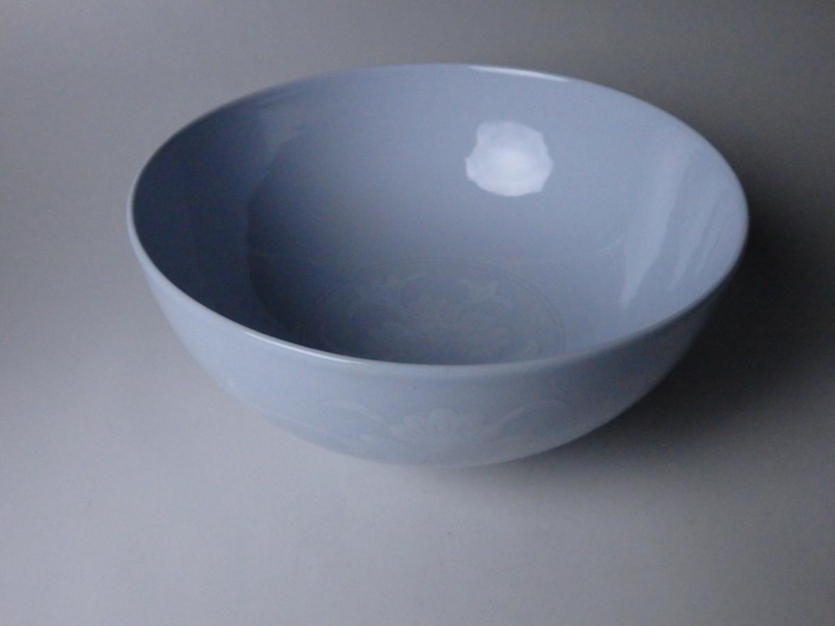 板谷波山草花紋象嵌鉢 (1)